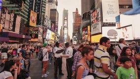 Видео промежутка времени квадрата времени в NYC сток-видео