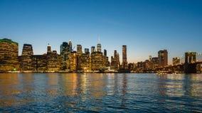 Видео Hyperlapse горизонта и Бруклинского моста Манхаттана сток-видео