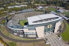 Виды с воздуха стадиона Autzen на кампусе университета o стоковое изображение rf