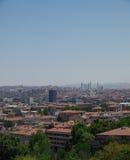 Вид на город Анкары с мечетью и горами cami Kocatepe Стоковые Изображения RF