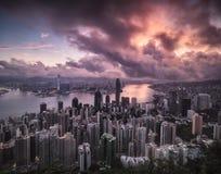 Вид на город Гонконга с подходом к штормов стоковая фотография rf
