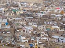 Вид на город Leh от верхней части горы, Ladahk, Кашмира, Индии стоковая фотография