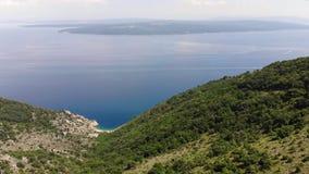 Вид на море острова от неба видеоматериал