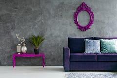 Вид спереди живущей комнаты стоковое изображение rf