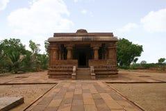 Вид спереди, Jain висок, Jinalaya, известное как Jaina Narayana, Pattadakal, Karnataka, Индия стоковые изображения rf