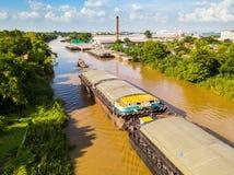 Вид с воздуха баржей транспорта Стоковое фото RF