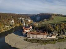 Вид с воздуха бенедиктинского аббатства Weltenburg монастыря стоковое фото rf