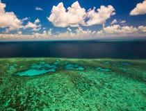 Вид с воздуха большого барьерного рифа в Австралии Стоковое Изображение