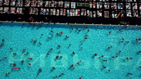 Вид с воздуха большого бассейна видеоматериал
