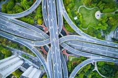 Вид с воздуха взаимообмена города стоковые изображения rf