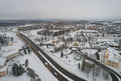 Вид с воздуха города покрытого с снегом Стоковые Изображения
