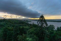 Вид с воздуха города Parana и Рекы Parana в восходе солнца стоковое фото