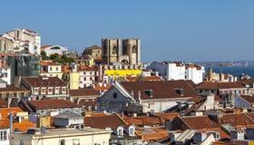 Вид с воздуха городка Лиссабона старого, Португалии стоковое изображение rf