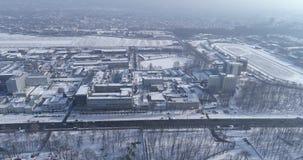 Вид с воздуха городка на зиме акции видеоматериалы