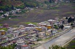 Вид с воздуха городка Paro Государство Paro Бутана стоковые изображения rf