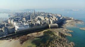 Вид с воздуха, город Malo Святого, Франция стоковое изображение rf