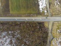 Вид с воздуха дороги в лесе Стоковые Изображения RF