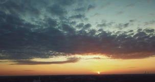 Вид с воздуха захода солнца лета сток-видео
