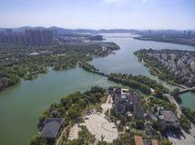 Вид с воздуха здания портового района города стоковые фото