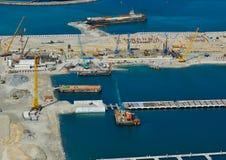 Вид с воздуха конструкции на искусственном острове стоковые изображения rf