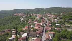 Вид с воздуха к центру городка Sighnaghi в зоне ` s Georgia Kakheti Signagi акции видеоматериалы