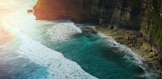 Вид с воздуха ландшафта в виске Uluwatu, Бали, Индонезии Стоковые Изображения