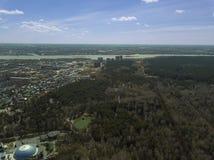 вид с воздуха Лес в городе Новосибирска, Сибирь Стоковое фото RF