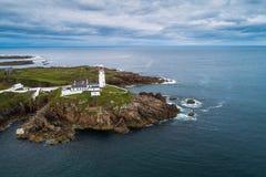 Вид с воздуха маяка головы Fanad в Ирландии стоковое фото