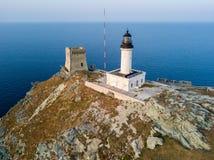 Вид с воздуха маяка и башни на острове Giraglia Полуостров Corse крышки Корсика Франция Стоковая Фотография RF