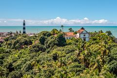 Вид с воздуха маяка Olinda и церков нашей дамы Грейса, католической церкви построенной в 1551, Olinda, Pernambuco, Бразилия стоковые изображения rf
