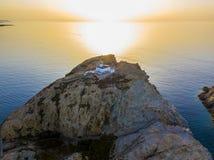 Вид с воздуха маяка Pietra на заходе солнца Красный остров, Корсика, Франция Стоковые Изображения RF