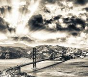 Вид с воздуха моста золотого строба Сан-Франциско от вертолета Стоковые Изображения RF