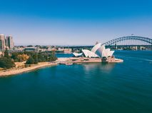 Вид с воздуха моста оперного театра и гавани Сиднея Стоковое Изображение