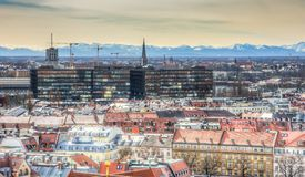 Вид с воздуха над городом Мюнхена стоковые изображения