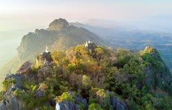 Вид с воздуха над горой в Таиланде Стоковое Фото
