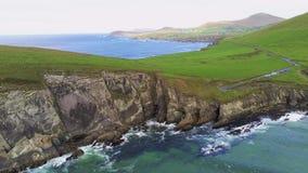 Вид с воздуха над типичным ирландским западным побережьем на полуострове Dingle стоковое изображение