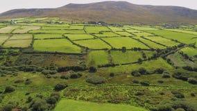 Вид с воздуха над типичным ирландским ландшафтом стоковое изображение rf