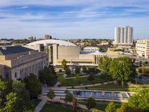 Вид с воздуха над центром изобразительных искусств в Оклахомаа-Сити стоковые фото