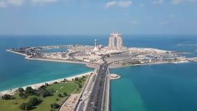 Вид с воздуха на взгляд Абу-Даби, острове акции видеоматериалы