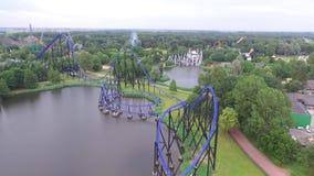Вид с воздуха на парке атракционов акции видеоматериалы