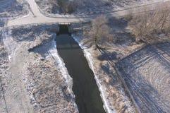 Вид с воздуха на сезоне ландшафта реки весной Стоковое Фото