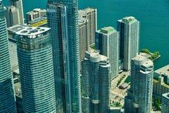 Вид с воздуха небоскребов в финансовом районе стоковая фотография