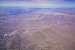 Вид с воздуха некоторого взгляда пустыни вокруг Barstow стоковые изображения rf