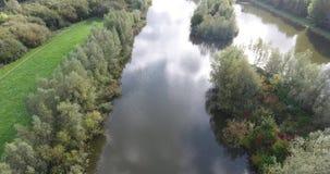 Вид с воздуха озера в парке, Zwijndrecht, Нидерланд акции видеоматериалы