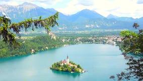 Вид с воздуха озера кровоточенный в Словении акции видеоматериалы