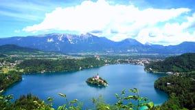 Вид с воздуха озера кровоточенный в Словении видеоматериал
