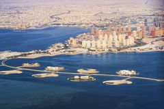 Вид с воздуха острова Жемчуг-Катара в Дохе Катар, Персидский залив Персидский залив стоковая фотография