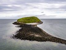 Вид с воздуха острова тупика - Уэльса - Великобритании Стоковая Фотография
