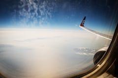 Вид с воздуха от окна самолета Стоковые Изображения RF