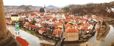 Вид с воздуха панорамы Cesky Krumlov, места всемирного наследия ЮНЕСКО, чехии стоковые фотографии rf